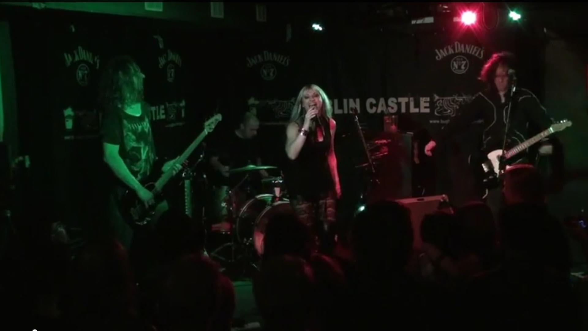 GRACE_SOLERO_-_We_Don_t_Wanna__live_at_the_Dublin_Castle__London